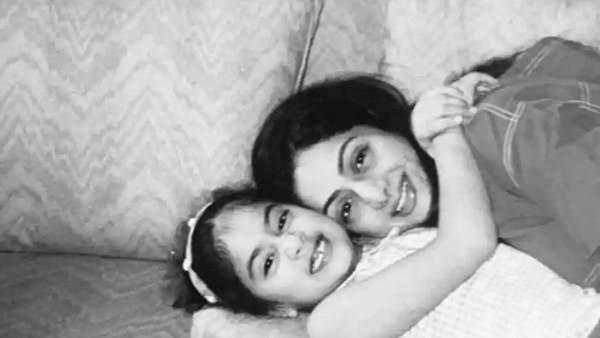 श्रीदेवी की दूसरी पुण्यतिथि पर भावुक हुईं बेटी जान्हवी कपूर, कहा- 'हर दिन आपको याद करती हूं'