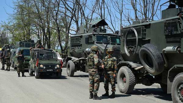 जम्मू-कश्मीर: अनंतनाग में लश्कर के दो आतंकी एनकाउंटर में ढेर, हथियार और गोला-बारूद बरामद