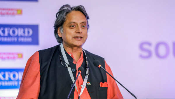 Shashi Tharoor Critised India at Lahore Lit Fest said Modi government failed in COVID-19 management, Pakistan did better than us