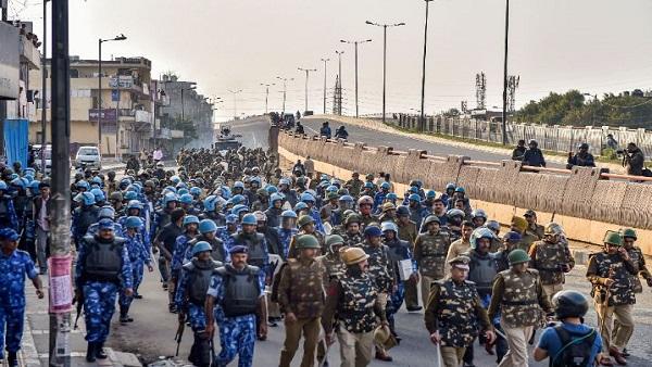 इसे भी पढ़ें- दिल्ली हिंसा के पीछे कौन? हाईकोर्ट ने दिल्ली और केंद्र सरकार से मांगा जवाब