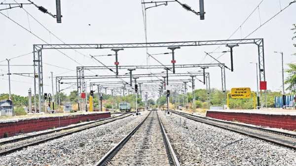 100% electrification of rail network by 2022