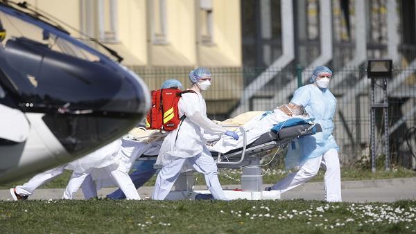 कोरोना वायरस: दुनिया भर में 21 हजार से ज्यादा लोगों की मौत, 4.7 लाख लोग संक्रमित