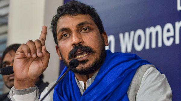 ये भी पढ़ें- भीम आर्मी के प्रमुख चंद्रशेखर आजाद का आरोप-यूपी में मेरे काफिले पर गोलियां चलाई गईं