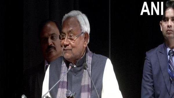 इसे भी पढ़ें- नीतीश कुमार ने कार्यकर्ताओं से कहा- विवादों से बचकर रहें, चुनाव में इतनी सीटें जीतने का किया दावा