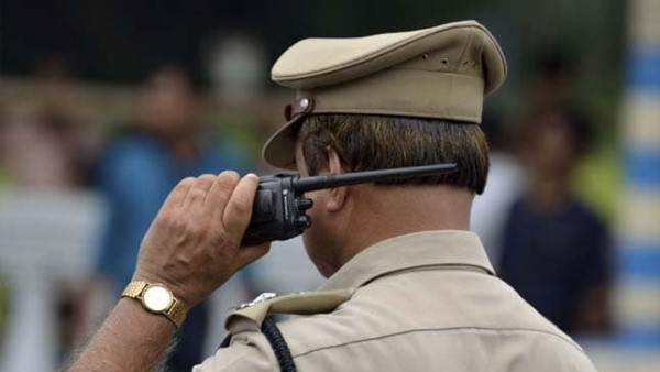 action against two policeman for colouring female constable in prayagraj