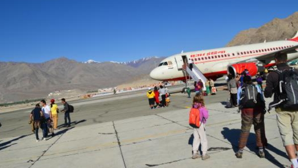 spread of COVID2019 india Ladakh admin orders that no commercial flights landing at Leh