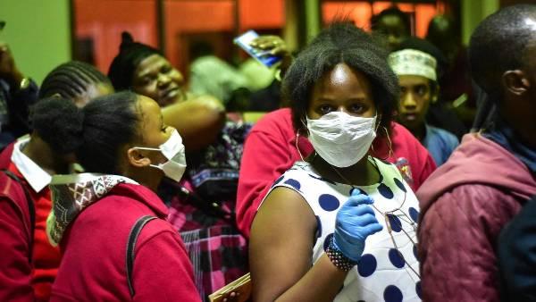 अफ्रीका में Covid19 वैक्सीन टेस्ट का सुझाव देकर घिरे फ्रेंच चिकित्सक, मांगनी पड़ी माफी!