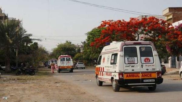 पुलिस को धोखा देने के लिए मरीज बने दूल्हा-दुल्हन, लॉकडाउन में परिवार के साथ एंबुलेंस से तय किया 80 Km का सफर