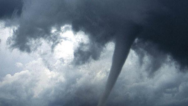 कोरोना संकट के बीच अब दिखेगा 'कालबैसाखी' का तांडव, देश के इन राज्यों में आ  सकता है बवंडर | Covid 19: Kalbaisakhi brings high winds, Thunderstorm rain  to East India, Be Alert,