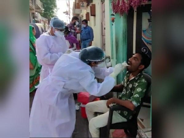 गुजरात में संक्रमितों का आंकड़ा 3 हजार पार, यहां अकेले अहमदाबाद से 2 हजार कोरोना मरीज