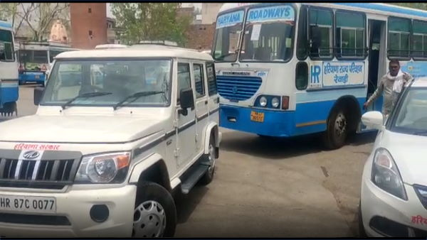 haryana roadways 16 buses reaches in kota rajasthan for bring to coaching students