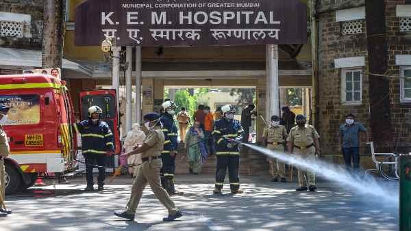 मुंबई: बढ़ रहे हैं कोरोना के मरीज, कम पड़ने लगे हैं डॉक्टर और नर्स