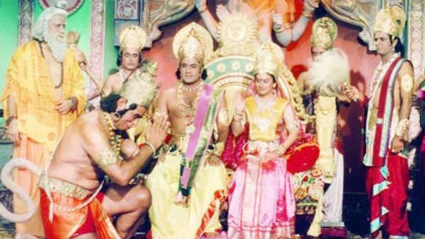 <strong>यह भी पढ़ें-दूरदर्शन पर आते ही छा गई रामायण, 17 करोड़ दर्शकों के साथ बनाया नया रिकॉर्ड</strong>