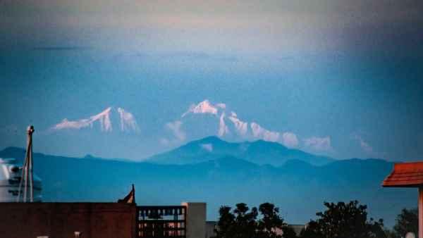लॉकडाउन में दिखा ये खूबसूरत नजारा, सहारनपुर से दिखने लगी बर्फ से ढकी गंगोत्री की पर्वत श्रृंखलाएं, देखें तस्वीरें