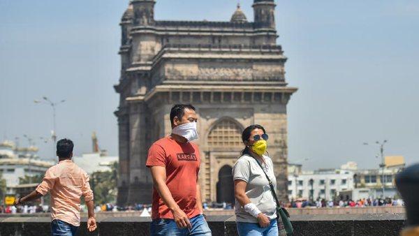 मुंबई में अब सार्वजनिक स्थानों पर मास्क पहनना हुआ अनिवार्य, उल्लंघन करने पर होगी कड़ी कार्रवाई!