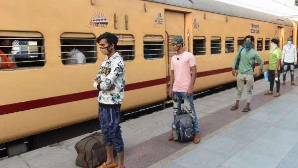 सुप्रीम कोर्ट का बड़ा आदेश, मजदूरों से नहीं लिया जाएगा ट्रेन और बस का किराया