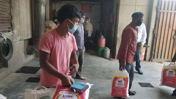 PM मोदी के ऐलान के बाद इन लोगों को दिवाली तक मुफ्त मिलेगा अनाज, जानें गरीब कल्याण अन्न योजना के बारे में