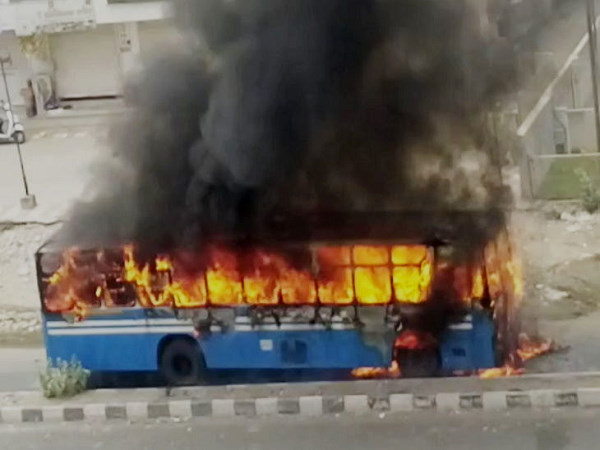 Vadodara: Bus carrying 30 migrant workers catches fire near Khodiyarnagar area