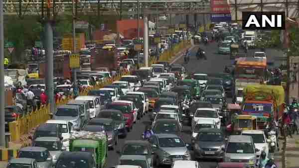 Traffic congestion at Delhi-Ghaziabad border near Ghazipur