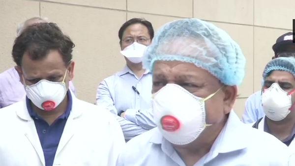Lockdown 3: स्वास्थ्य मंत्री हर्षवर्धन का बयान- दिल्ली में अभी जरूरी है सख्ती, कम से कम हो छूट