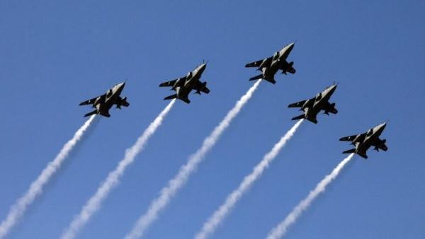 कोरोना योद्धाओं के प्रयासों और बलिदानों के लिए फूलों की वर्षा कर श्रद्धांजलि देंगे वायु सेना के विमान