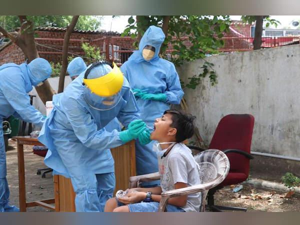 अहमदाबाद में कोरोना मरीजों की संख्या 9 हजार पार, जानिए गुजरात के किस जिले में अब तक कितने मामले सामने आए