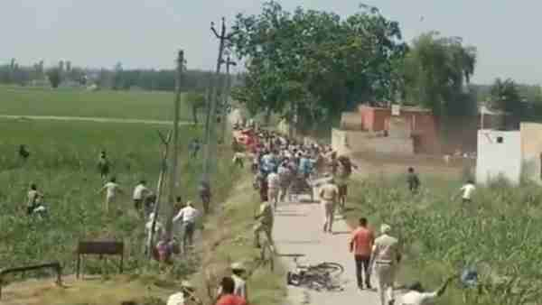 migrant workers jammed the national highway In Yamunanagar then police lathi-charged