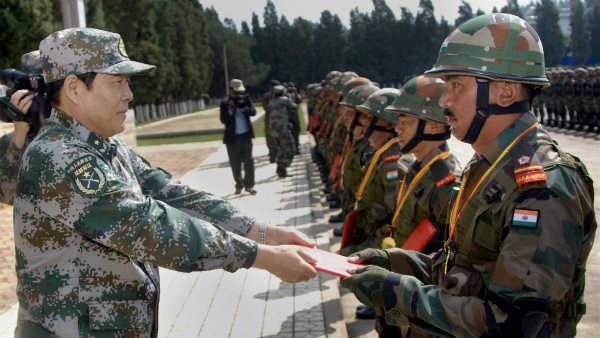 India vs China: किसकी सेनाएं कितनी ताकतवर,  जानिए