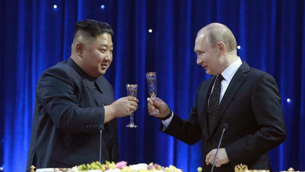 यह भी पढ़ें-पुतिन ने नॉर्थ कोरिया के तानशाह किम जोंग को दिया मेडल