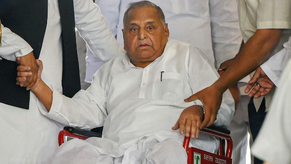 Samajwadi Party leader Mulayam Singh Yadav tested corona positive.