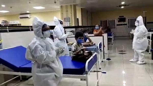 गुजरात में कोरोना: 722 संक्रमितों की इस महीने मौत हुई, 7549 ठीक हुए