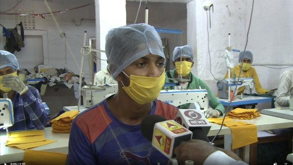 जोधपुर : कोरोना संकट में व्यापारियों ने बदला धंधा, कपड़ों की बजाय बनाने लगे मास्क