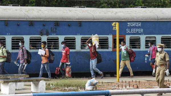 <strong>Indian Railways: बदला नियम, जानें टिकट कैंसिलेशन और रिफंड के नए नियम</strong>
