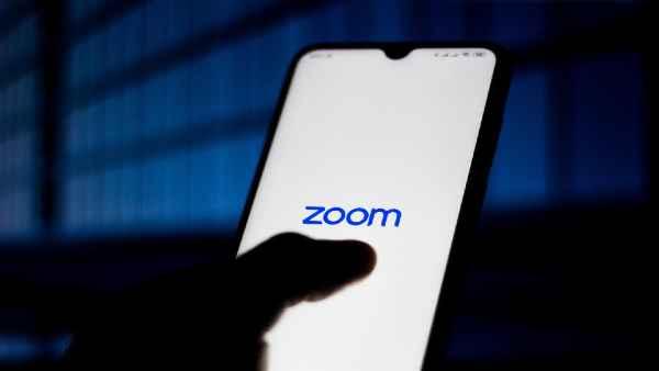 Zoom पर ऑनलाइन बाइबल क्लास में अचानक चला पोर्न वीडियो, चर्च ने कंपनी पर ठोका मुकदमा