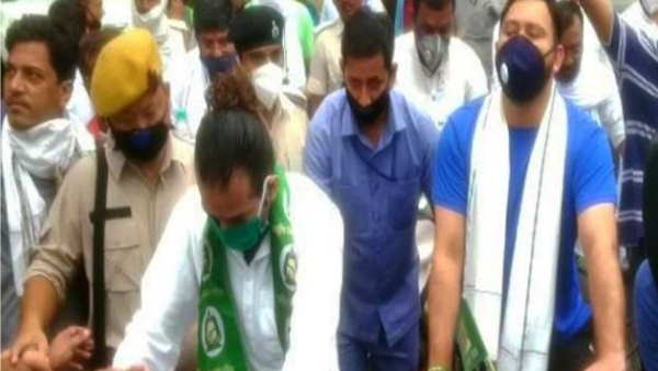 पटनाः तेजस्वी और तेज प्रताप ने तेल ...