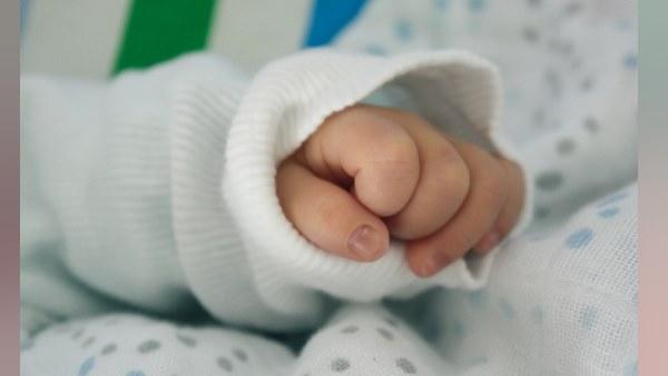 14 दिन के बच्चे ने निगल ली सेफ्टीपिन, पुलिस कांस्टेबल की मदद से बची जान