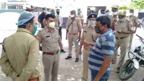 ये भी पढ़ें:- BSP नेता नरेंद्र को गोली मारकर हत्या, मायावती को चांद पर जमीन गिफ्ट करने की पेशकश की थी