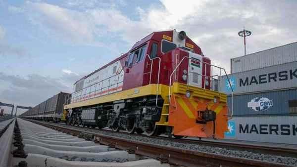अब केन्या की अदालत ने चीन को दिया झटका, करीब 24,320 करोड़ का रेलवे  कॉन्ट्रैक्ट अवैध करार   Now Kenya court gives blow to China, railway  contract worth about 24,320 crores illegal - Hindi ...