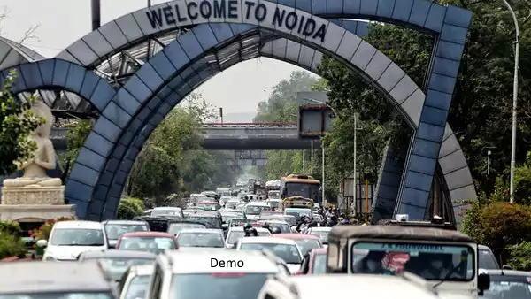 दिल्ली नोएडा सीमा और डीएनडी पर लंबा जाम, बिना पास वालों को यूपी पुलिस लौटा रही है वापस