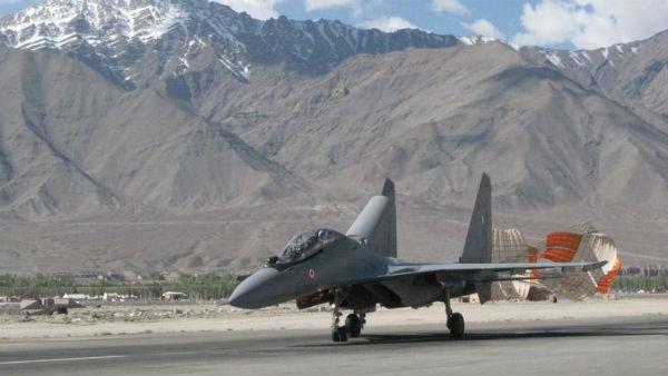 यह भी पढ़ें-चीन बॉर्डर पर तैनात IAF के फाइटर जेट्स सुखोई, मिराज