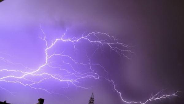 ये भी पढ़ें:- भारी बारिश के दौरान देवरिया और कुशीनगर में गिरी बिजली, छह लोगों की गई जान