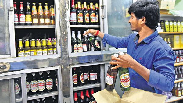 इसे भी पढ़ें- दिल्ली में फिर सस्ती होगी शराब, सरकार ने स्पेशल कोरोना टैक्स को लिया वापस