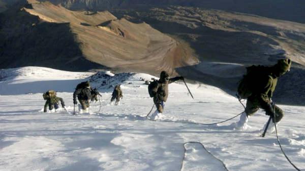 जानिए लद्दाख सीमा पर कैसे चीन ले आया हजारों सैनिक, सुरक्षा एजेंसियों ने किया खुलासा