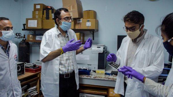 IIT खड़गपुर में कोरोना टेस्ट के लिए विकसित की नई टेक्नोलॉजी, 400 रुपए में संभव होगा टेस्ट!