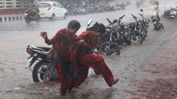uttar pradesh weather report: alert of thunderstorm and heavy rain in these districts next two hour
