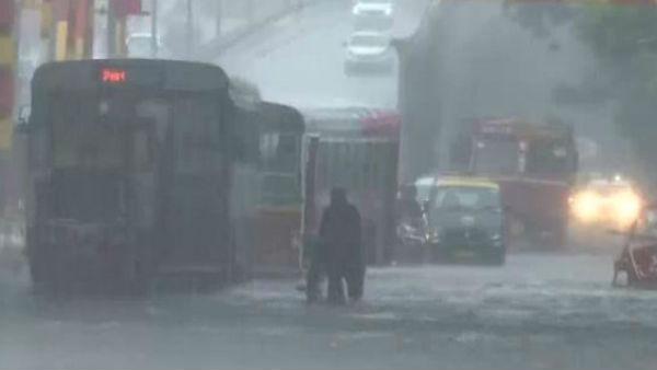 ये भी पढ़िए- अगले कुछ घंटों में यूपी समेत देश के कई राज्यों में भारी बारिश की आशंका, दिल्ली में बरसे मेघ