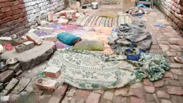 five peoples died in wall collapse in shahjahanpur