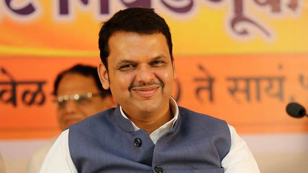 Devendra Fadnavis wrote a letter to Piyush Goyal, Demand to lift ban on onion exports