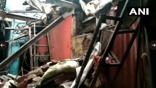 Maharashtra: One dead and four injured after part of a building collapsed in Chembur area of Mumbai today.