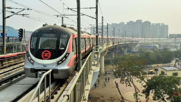 ये<strong> भी पढ़ें- रविवार से पुराने समय से शुरू होगी दिल्ली मेट्रो सेवाएं, फेज-3 के टाइम टेबल में बदलाव</strong>